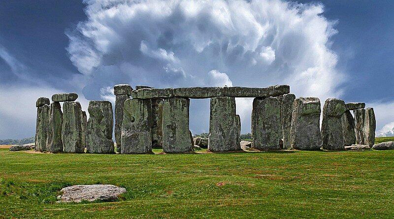 Stonehenge via Golden Tours – Salisbury, England